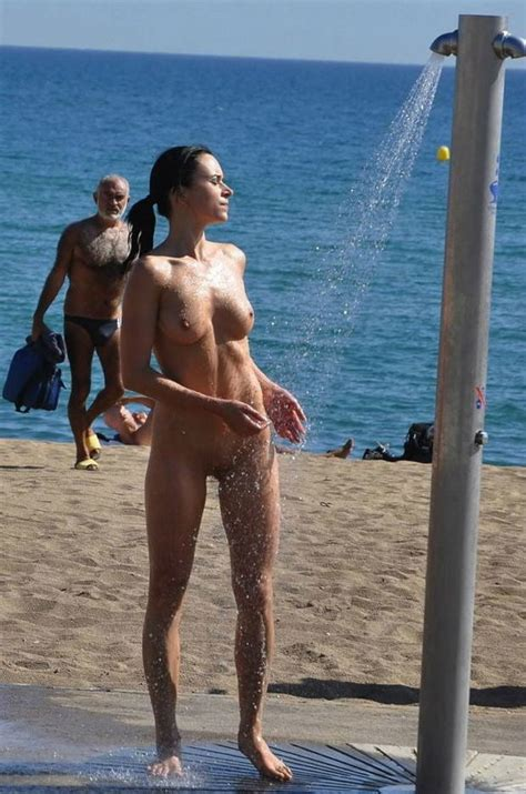Vanessa Naked Celeb