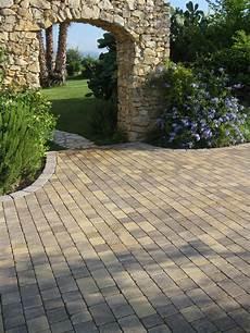 pavimentazione cortili esterni pavimentazione per esterni la soluzione definitiva di
