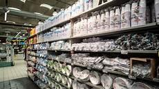 piatti e bicchieri di plastica per feste unicoop firenze stop alla vendita di bicchieri piatti e