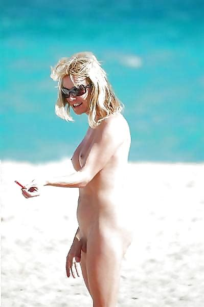 Free Nude Shved