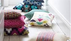 cuscini per divani moderni belleri tessuti