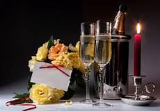 bicchieri spumante spumante con bicchieri e candela 66334 tomato