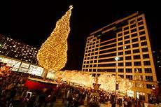 Mayor S Christmas Tree Lighting Kansas City Mayor S Christmas Tree Lighting 2014 Crown Center Eric