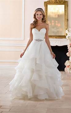 Design Your Wedding Dress Free Wedding Dresses In 2019 What S Your Stella York Dream