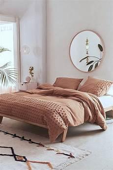 spiegel schlafzimmer minimal schlafzimmer modern gem 252 tlich spiegel rund und