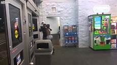 Walmart Security Guard Walmart Shoplifters Battle Security Guard Youtube