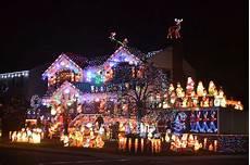Ridgewood Christmas Tree Lighting 2018 Santa S Corner In Whitestone Returns With An Amazing