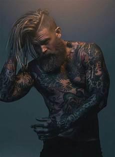 männer frisuren wikinger tatowierte modelle ber 252 hmtheit tattoos irokesenschnitt