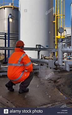 Chemical Plant Operator Chemical Plant Process Operator Pipes Storage Tank Tower