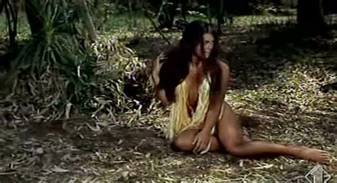 Serliana Rosida Nude