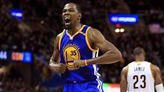 golden state warriors forward kevin durant passes 20 000