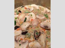 schnelle Tom Yum Suppe mit Tom Yum Paste Kokosmilch und