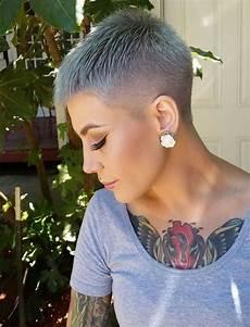extrem kurzhaarfrisuren frauen pixie haircut tutorial images for glorious