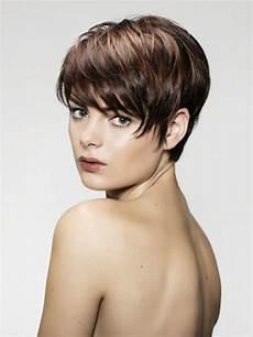 kurzhaarfrisuren damen bilder dunkel einfache frisuren f 252 r frauen mit kurzen haaren 2015