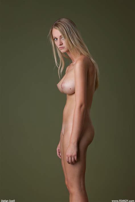 Man Sports Pic Naked