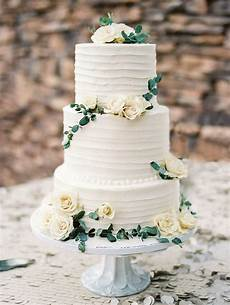 wedding cake simple white and green natural summer
