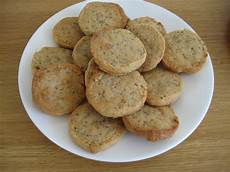 the fodmap foodie fodmap diet almond cookie recipe