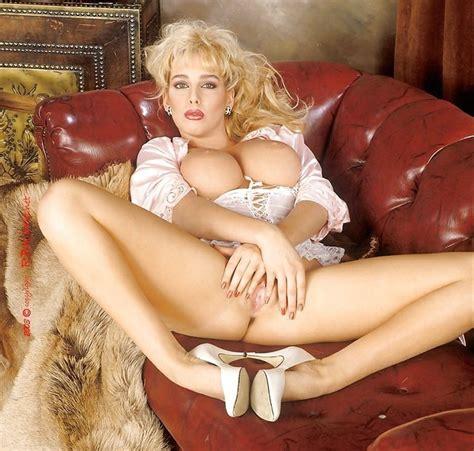 Vanessa Munn Naked