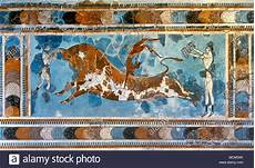 minoan period knossos palace bronze age bull leaping