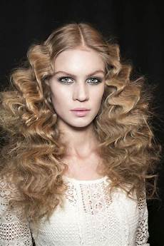 curly hairstyles 8 runway inspired looks fall 2013 curly hairstyles 8 runway inspired looks fall 2013 a