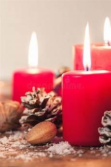 riti con le candele atmosfera di natale candele immagine stock immagine di