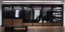 cassettiere per cabina armadio come organizzare la cabina armadio