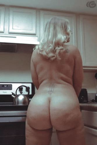 Big Breasted White Girls Nude