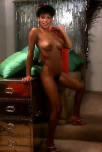 Ella Purnell Topless