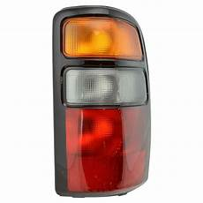 04 Chevy Tahoe Lights Taillight Taillamp Rh Right Passenger Side For 04 06 Yukon