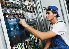 Maintenance Electrician What Does An Industrial Electrician Do With Pictures