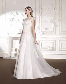 modeli oblek poročne obleke izposoja