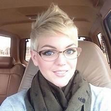 kurzhaarfrisuren damen blond mit brille kurzhaarfrisuren damen 2017 mit brille