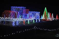 Jacksonville Fl Zoo Christmas Lights 904 Happy Hour Article Places To See Christmas Lights