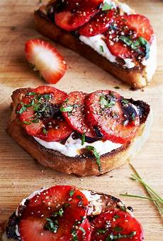 strawberry balsamic crostini cooking recipes food
