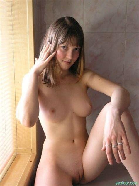 Non Nude Amateur Voyeur