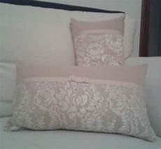 cuscini da letto cuscini romantici con pizzo cuscini arredo fai da te