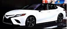 2020 toyota camry se hybrid 2020 toyota camry hybrid se 4dr sedan review australia