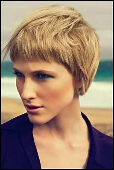 frisuren bei dicken frauen 20 stilvolle kurze frisuren f 252 r frauen mit dicken haaren