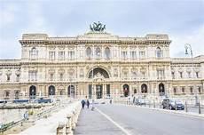 corte suprema italia corte suprema di cassazione automobili sul ponticello