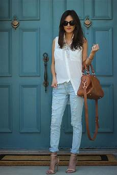 What To Wear With Light Blue Jeans What To Wear With Ripped Jeans 2020 Fashiongum Com