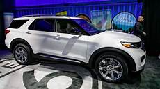 ford usa explorer 2020 2020 ford explorer debuts with new rear drive platform