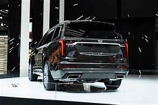 2020 cadillac lineup 2020 cadillac xt6 rolls assembly line gm authority