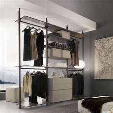 cassettiere per cabina armadio idee cabina armadio piccola e stretta un progetto per