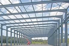 progetto capannone acciaio nagelplattenbinder stahl holz beton leimholz