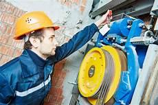 Elevator Repair Jobs Elevator Installer And Repairer Careers Careertoolkit