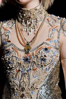 embroidery couture matin lumineux broderie haute couture