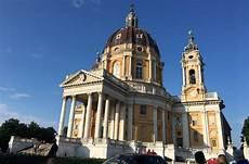 cremagliera di superga superga tra basilica cremagliera e grande torino