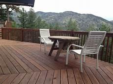 Light Or Dark Deck Stain Boodge Deck Stain In Dark Cedar Best Deck Stains