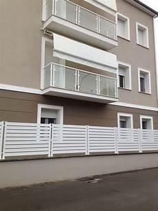 terrazzi con ringhiera ringhiera colore facciata casa museo in 2019 tinte