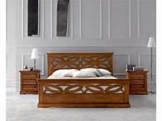 comodini in legno massello 242 e comodini in legno massello artigianale a prezzo